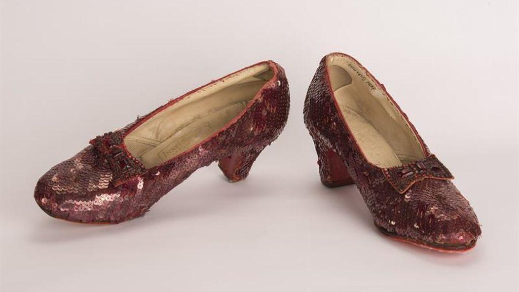 Dorothy se reencuentra con sus zapatos robados