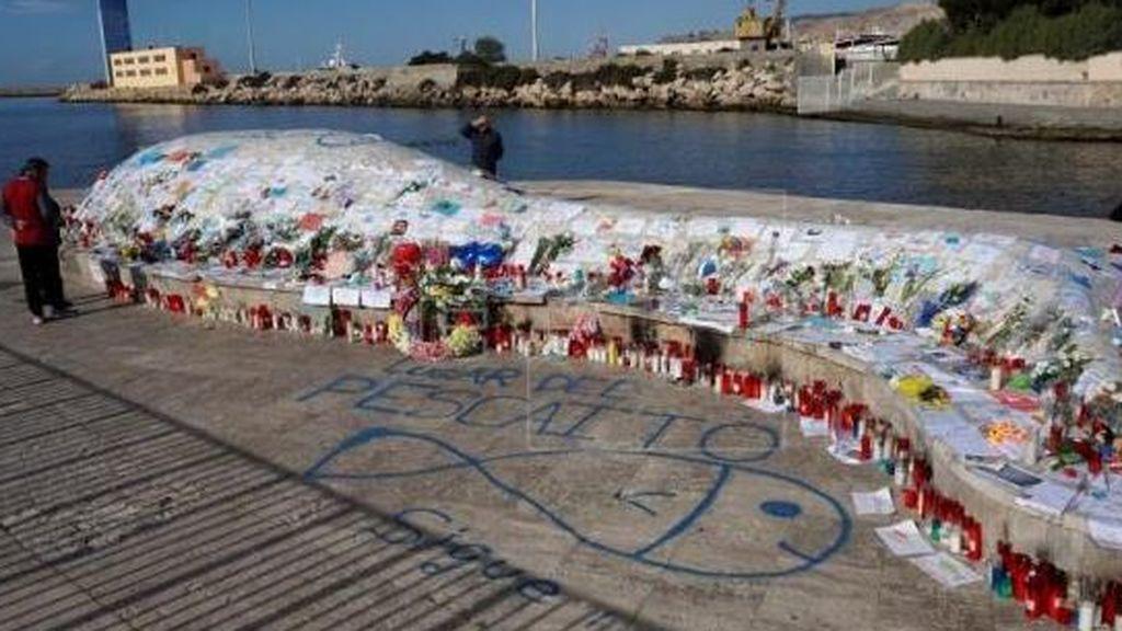 Los padres de Gabriel pactan con el Ayuntamiento cómo recordar al pescaíto y trasladar sus recuerdos