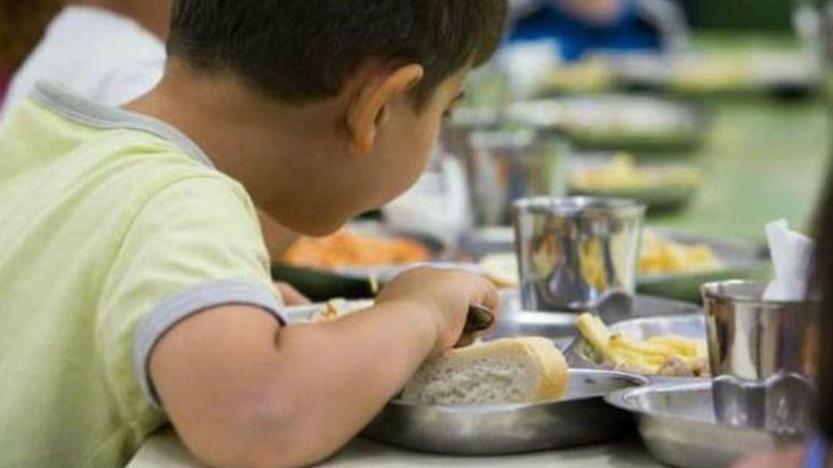 La fritura y los alimentos procesados ganan a las frutas y verduras en los comedores escolares