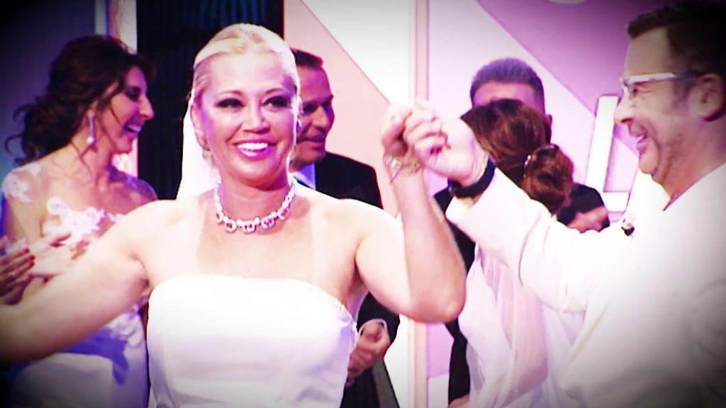 El vestido de Belén Esteban: así se viste de novia la colaboradora de 'Sálvame'