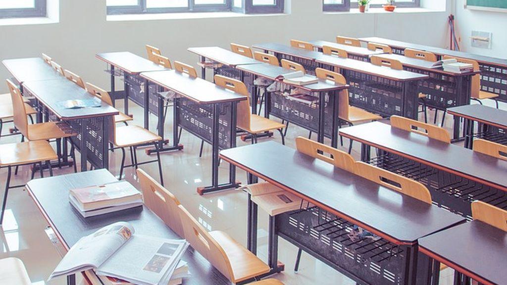 El curso escolar comienza con casi 2.000 plazas sin cubrir