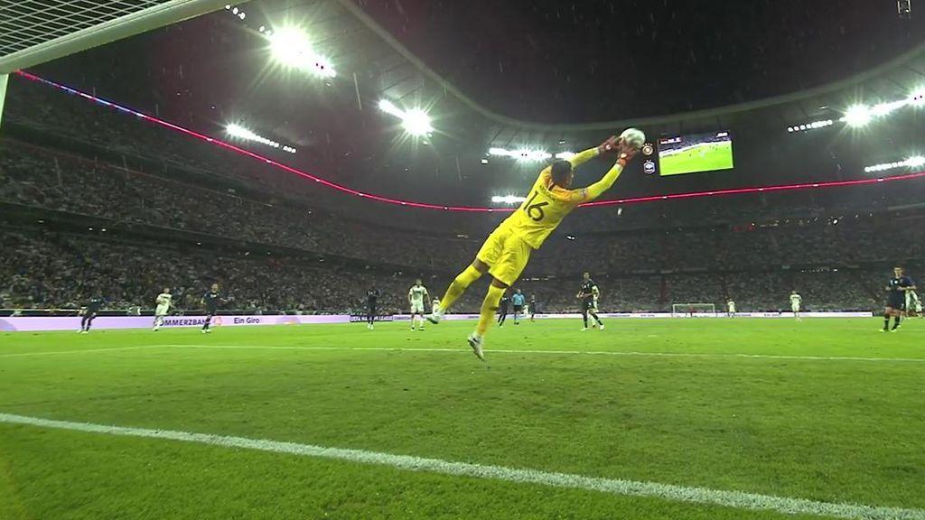 ¡Qué parada de Areola! Reus golpea de primeras y el portero francés evita el tanto alemán
