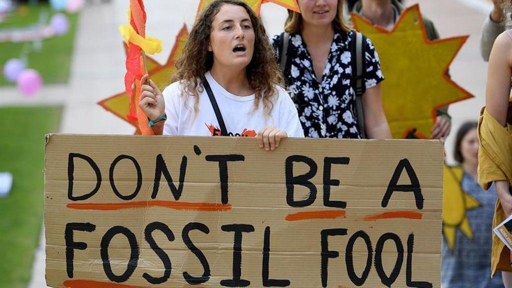 Marcha estudiantil en Sidney contra los combustibles fósiles