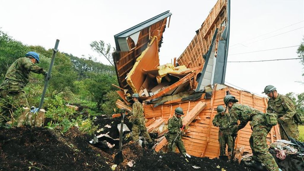 Comienzan las tareas de rescate en Japón