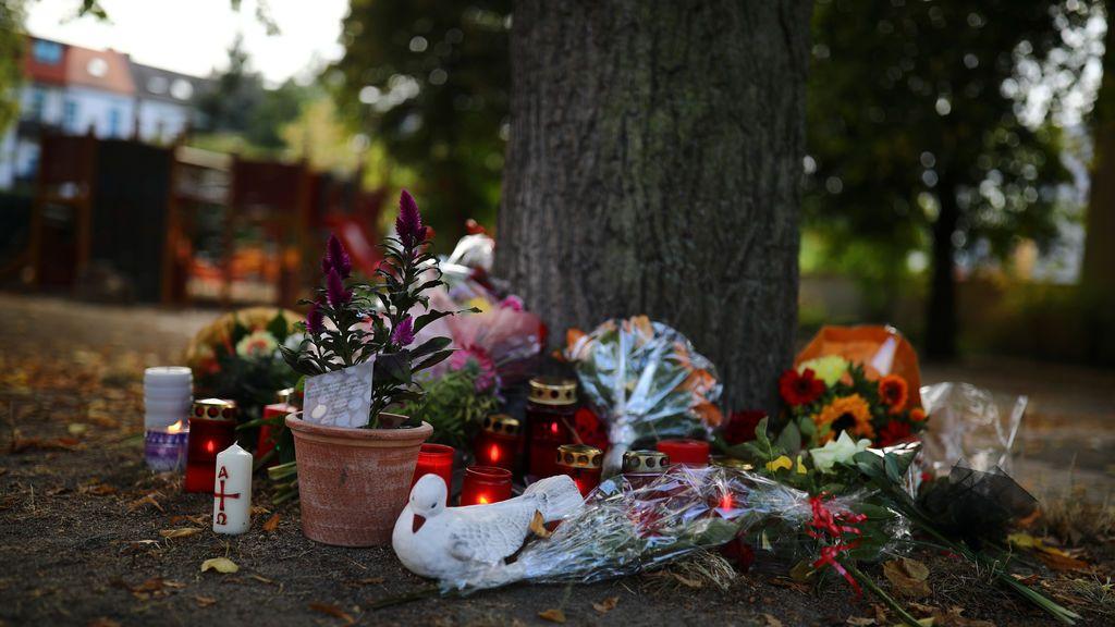 Altar en homenaje al joven de 22 años fallecido en Koethen