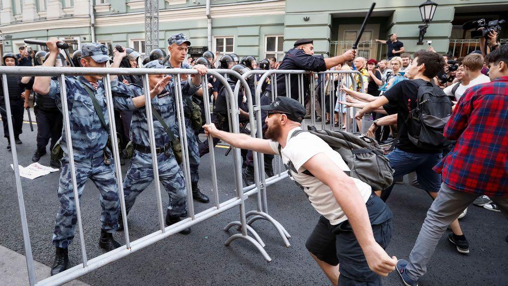 Manifestación contra los aumentos de la edad de jubilación en Rusia