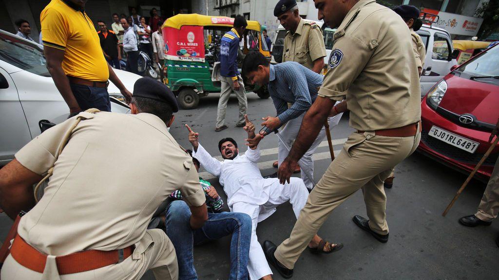 Represiones en India