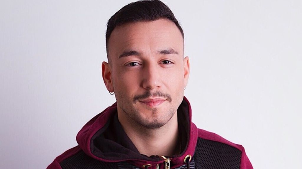 El cantante y compositor Jadel.