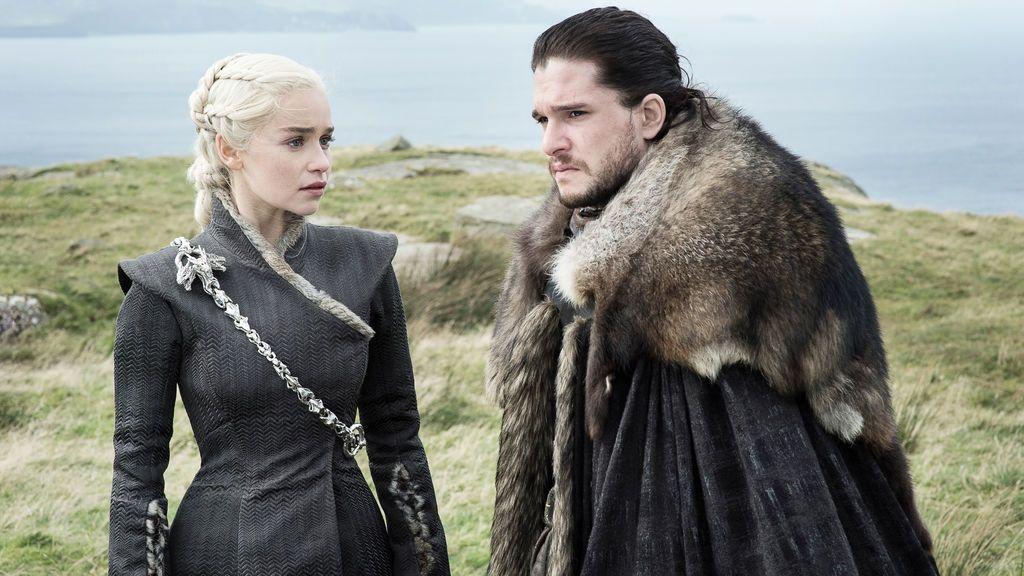 Emilia Clarke (Daenerys Targaryen) y Kit Harington (Jon Snow), en la séptima temporada de 'Juego de tronos'.
