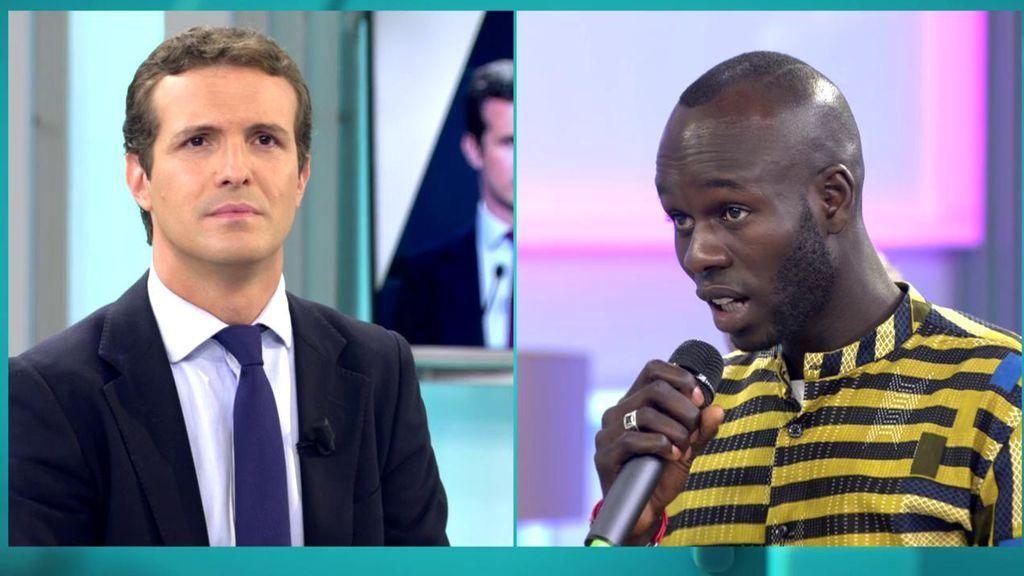 La pregunta de un inmigrante senegalés a Pablo Casado: ¿Cree que da más votos estar en contra de la inmigración?