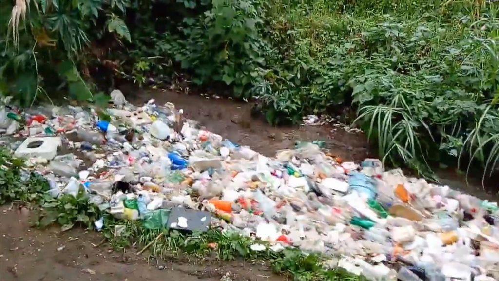 Ríos y mares de plástico: Las terribles consecuencias de no reciclar este material