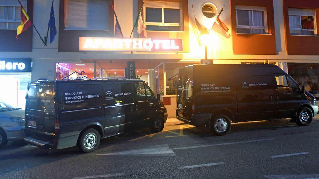 Un hombre muere tiroteado en Estepona, Málaga, tras disparar contra la policía