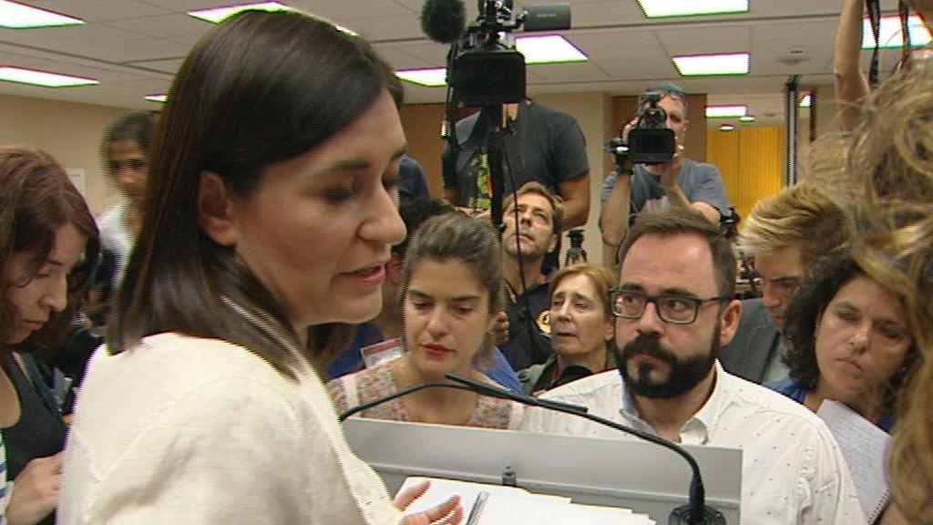 El futuro de la ministra: el máster pone en peligro la continuidad de Carmen Montón
