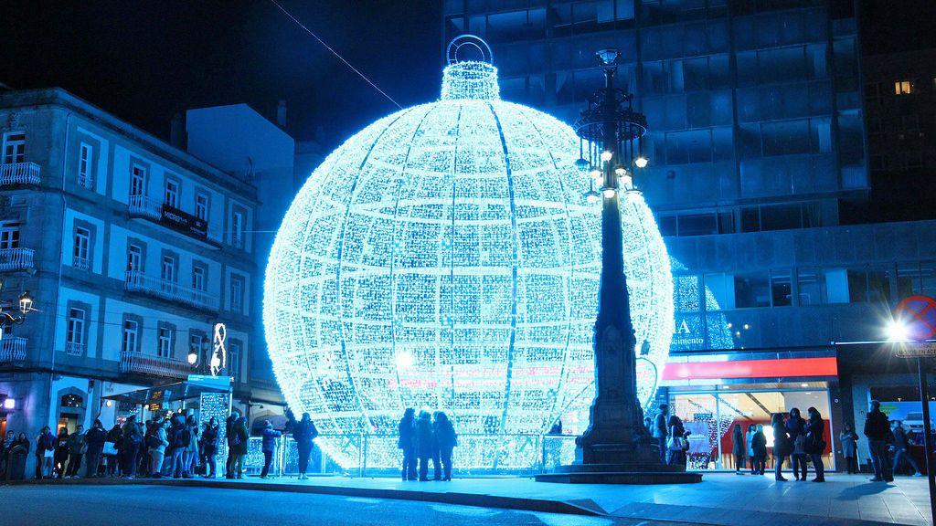 Las luces de Navidad comienzan a instalarse en Vigo