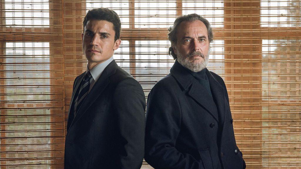 Álex González y Jose Coronado son Mario Mendoza y Nemo Bandeira en la serie de Telecinco 'Vivir sin permiso'.