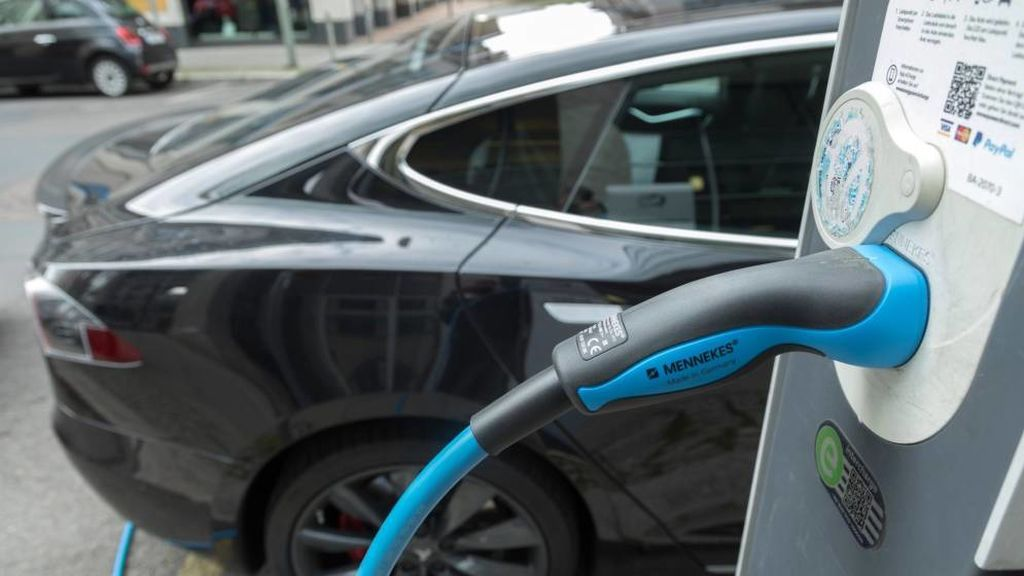 En 2019 se podrá recorrer España en coche eléctrico: habrá puntos de recarga cada 100 kilómetros