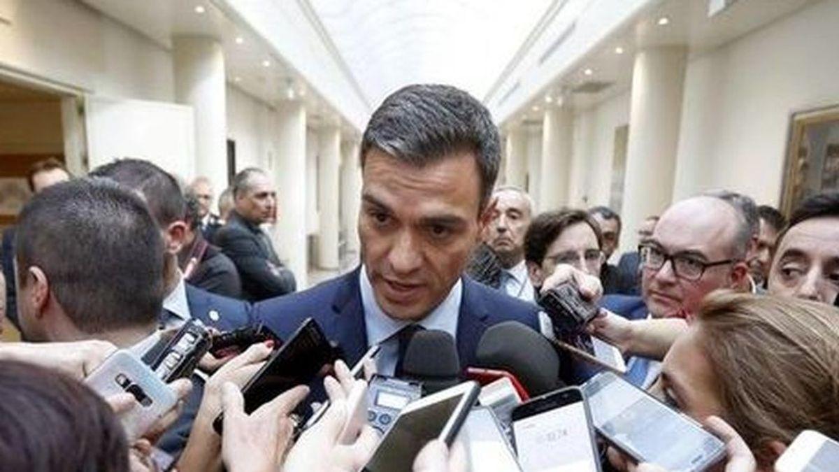 Rivera, Iglesias... aumenta la presión para que Sánchez publique en la red su tesis y Casado, mudo