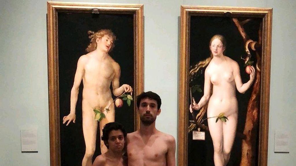 Una pareja se desnuda en el Museo del Prado para reivindicar que hay más géneros que el masculino y femenino