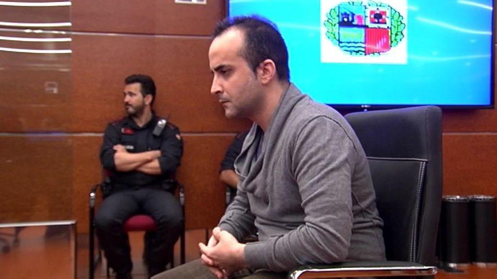 """El hombre acusado de matar en Vitoria al bebé de su pareja lanzándolo por la ventana, declarado """"culpable"""""""