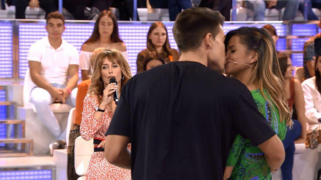 ¡Cómo le gusta Alai! Marina le besa delante de sus chicos (y Gerard se enfada mucho)