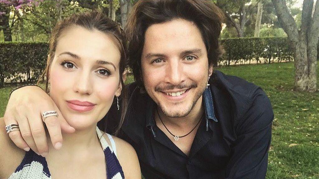 Manuel Carrasco y Almudena Navalón se han casado y las redes han filtrado fotos de la boda
