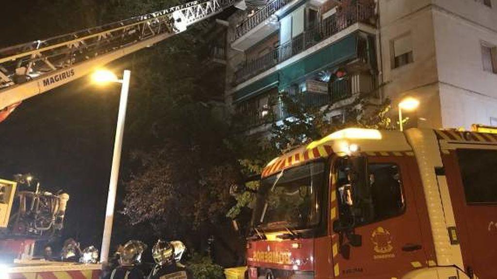 30 personas reciben asistencia tras un incendio en un edificio de viviendas en Pozuelo