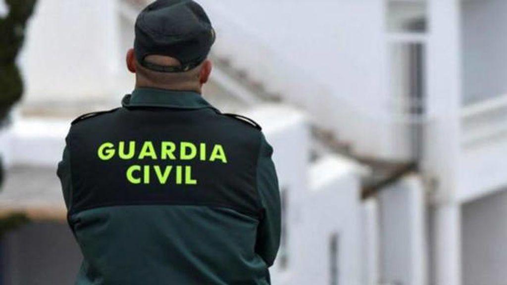 Detenidos dos hombres de 23 y 62 años por abusos sexuales a diez menores en Buñol
