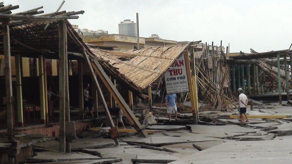 Dos muertos por el tifón Mangkhut: advierten de crecidas de hasta seis metros de altura en las localidades costeras