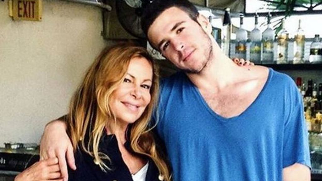 Ana Obregón y su hijo Álex se mudan a New Jersey para continuar con el tratamiento