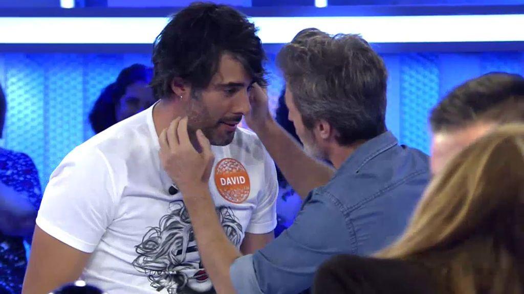 Jesús Olmedo y David Amor lo dan todo en la pista musical con una de Pablo Alborán