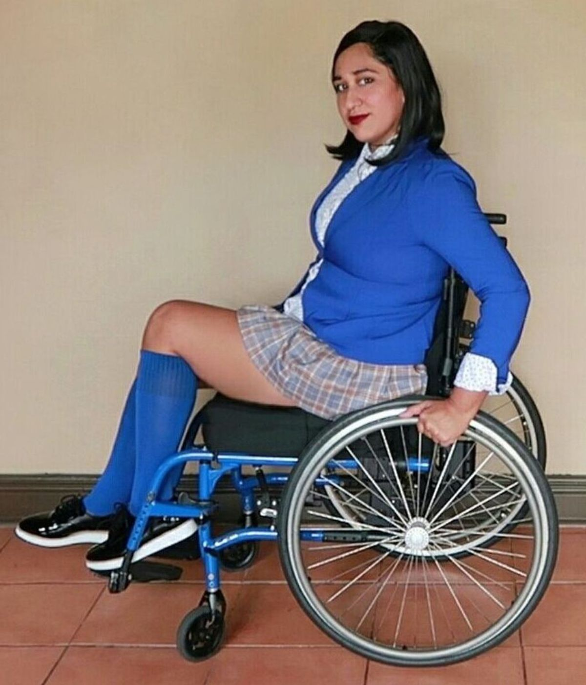 Una tía buena en silla de ruedas te explica por qué te da pena su vida