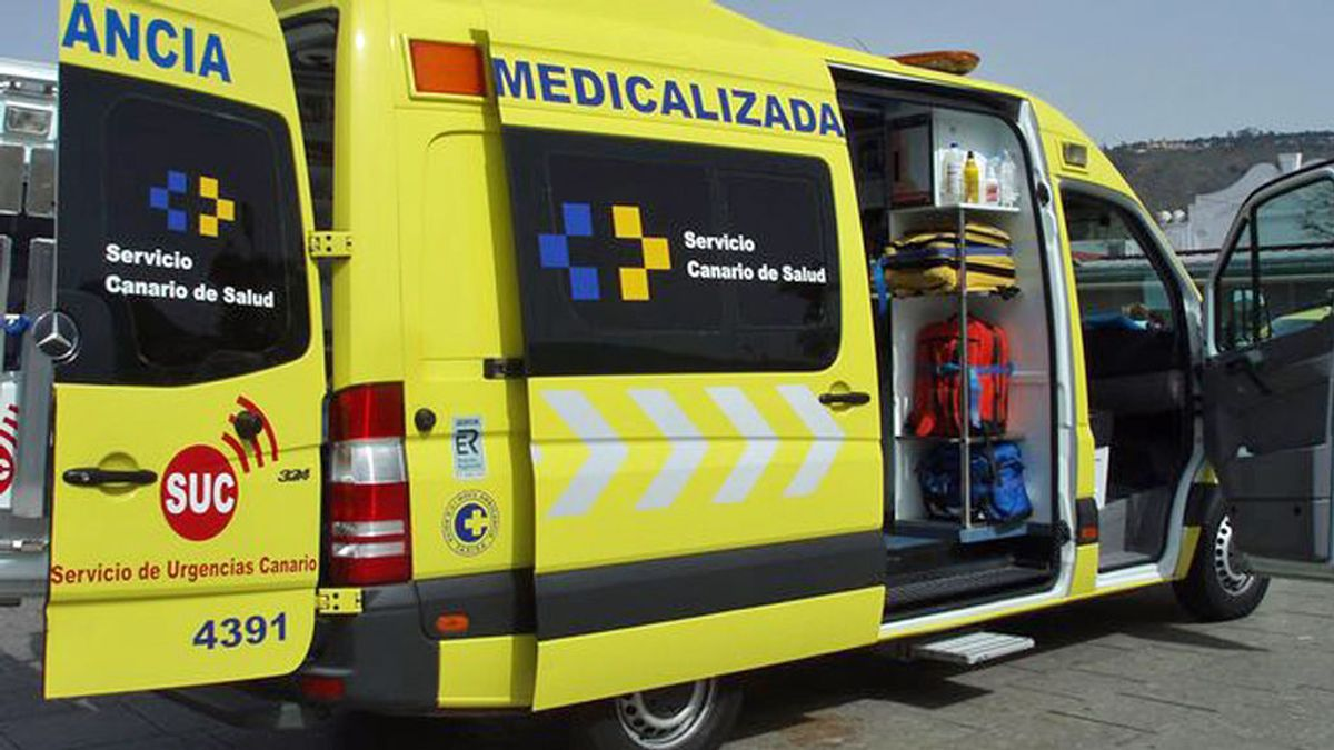 Muere en Lanzarote y una técnico sanitario le roba las tarjetas de crédito en la ambulancia