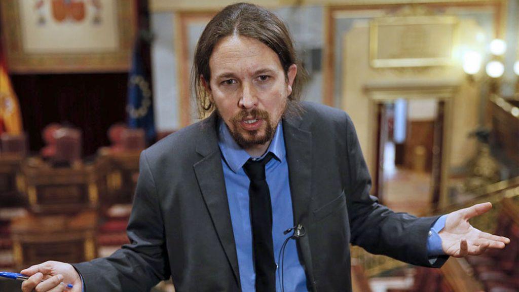 Critican la americana de Pablo Iglesias y él ataca con una polémica respuesta