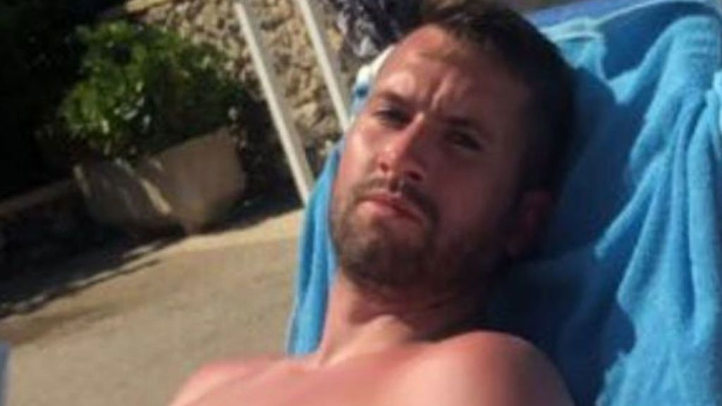 Un turista británico pide ser indemnizado por salvar a dos niños en una piscina en Menorca