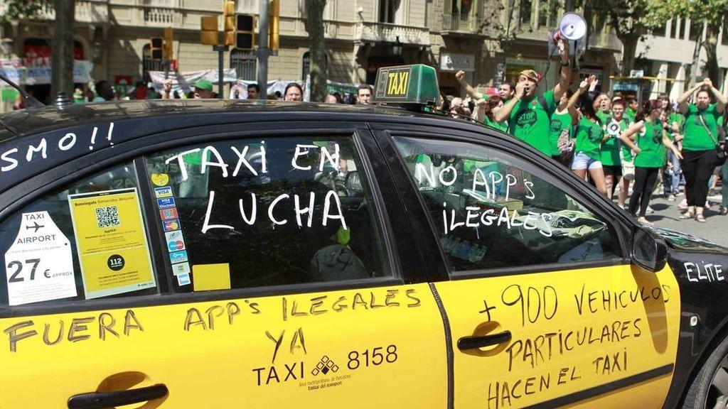 """Los internautas piden la """"modernización"""" del taxi y no reducir las licencias a Uber y Cabify"""