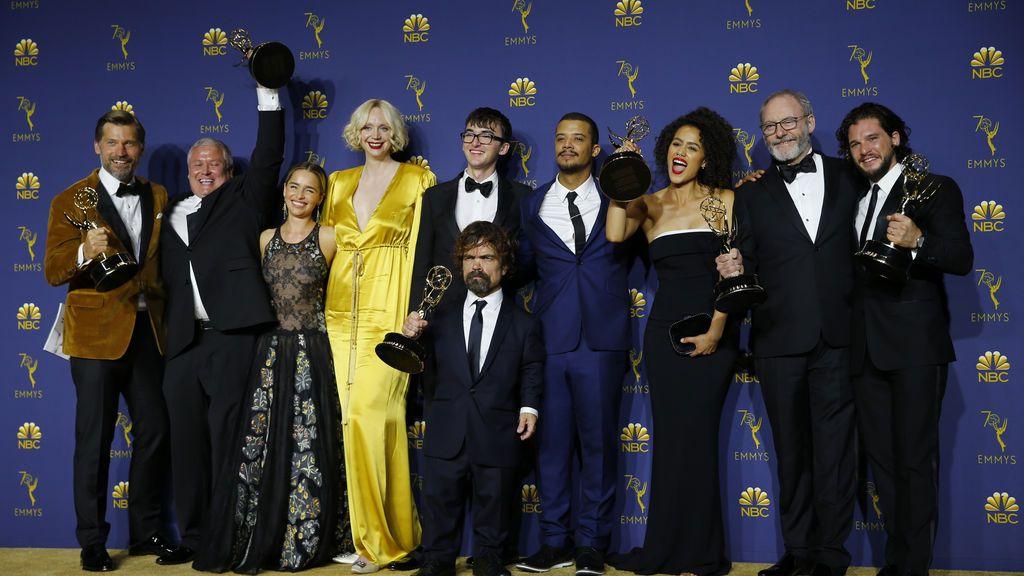 'Juego de Tronos' se impone en unos premios Emmy muy repartidos