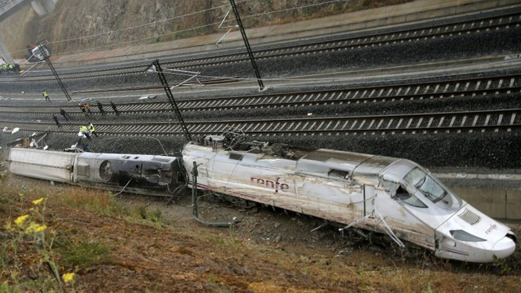 """Un técnico de Renfe denuncia que existió responsabilidad política en el accidente del Alvia: """"Fue una chapuza"""""""