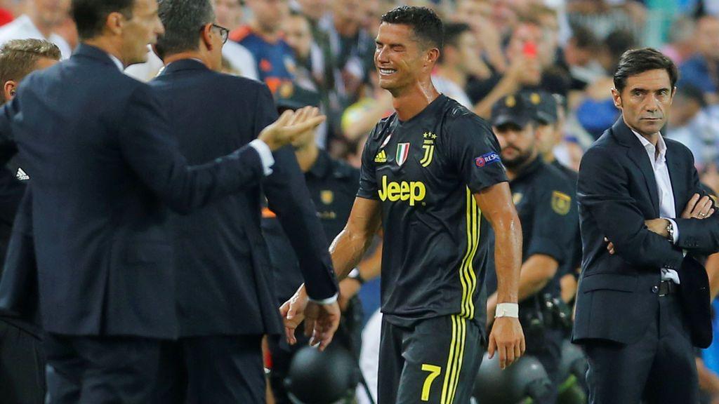 Cristiano Ronaldo es expulsado ante el Valencia y se marcha llorando desconsolado de Mestalla