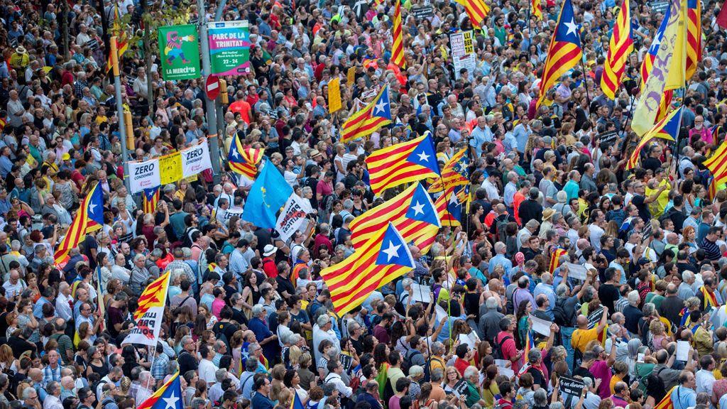 El independentismo catalán sale de nuevo a la calle para conmemorar el cerco a la Consellería de Economía