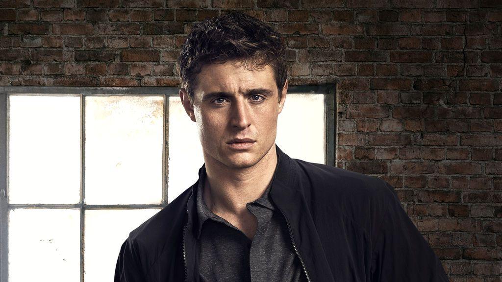 Max Irons es Joe Turner en 'Cóndor', un joven e idealista analista de la CIA.