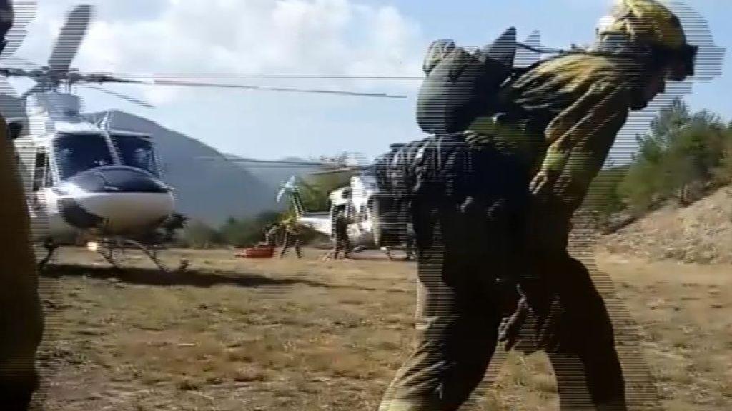 En helicóptero hasta el centro del incendio