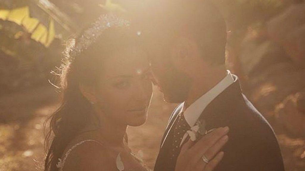 Sonia Walls, impresionante el día de su boda, lució tiara y vestido de princesa
