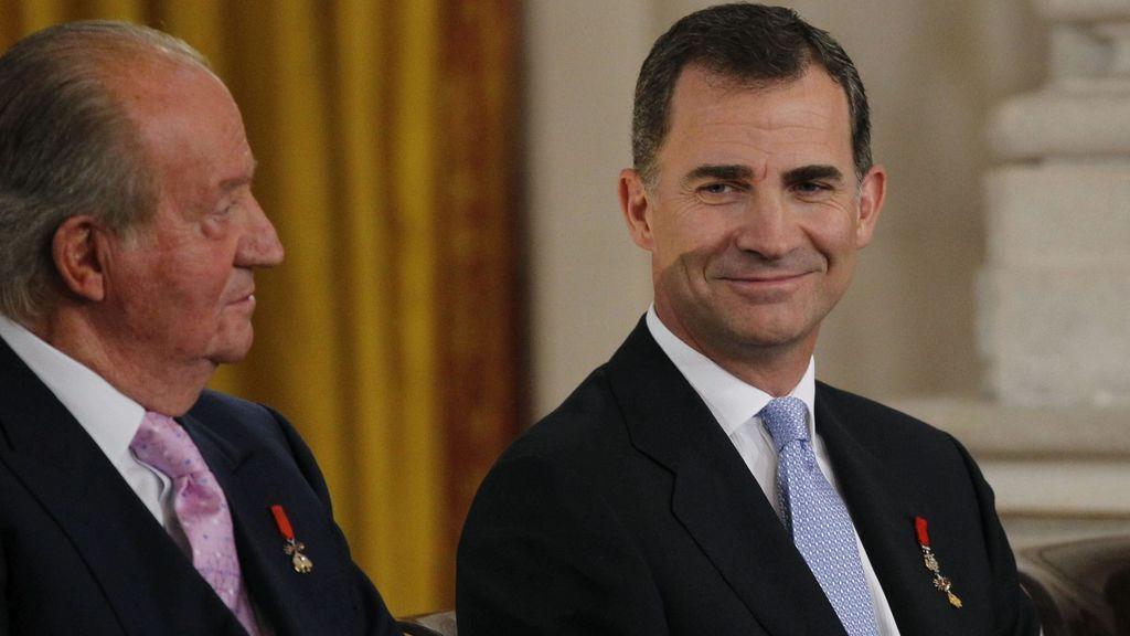 Felipe VI sube el sueldo de la Familia Real: el rey emérito cobrará 194.232 euros