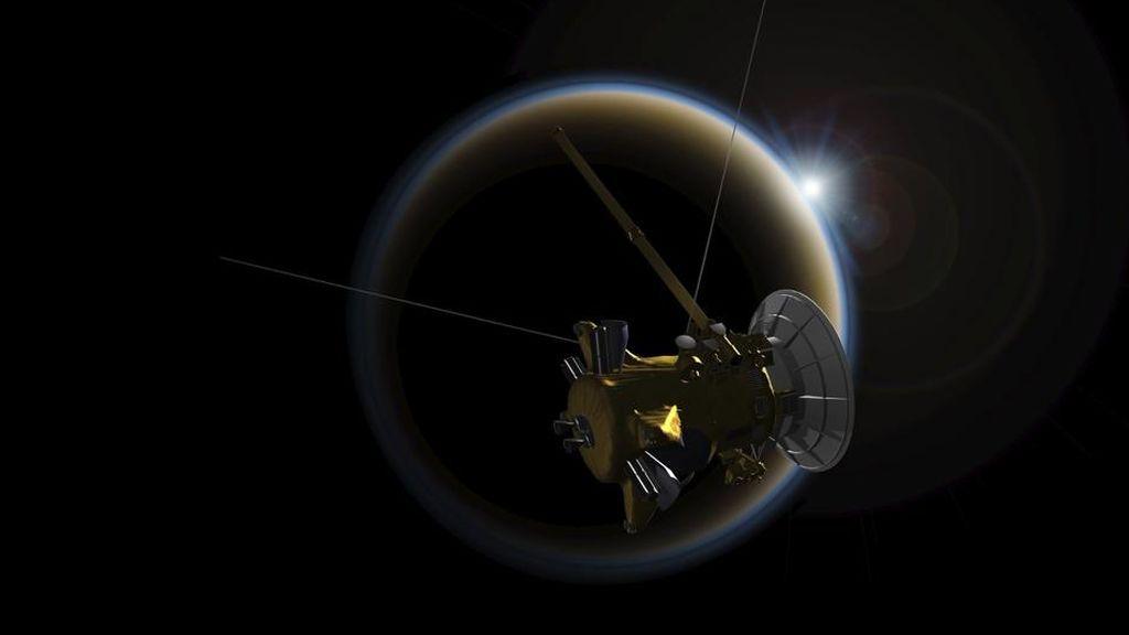 La nave Cassini descubre tormentas de polvo en Titán, la luna más grandes de Saturno