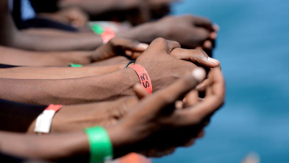 Portugal acuerda acoger a 10 de los 58 migrantes a bordo del 'Aquarius'