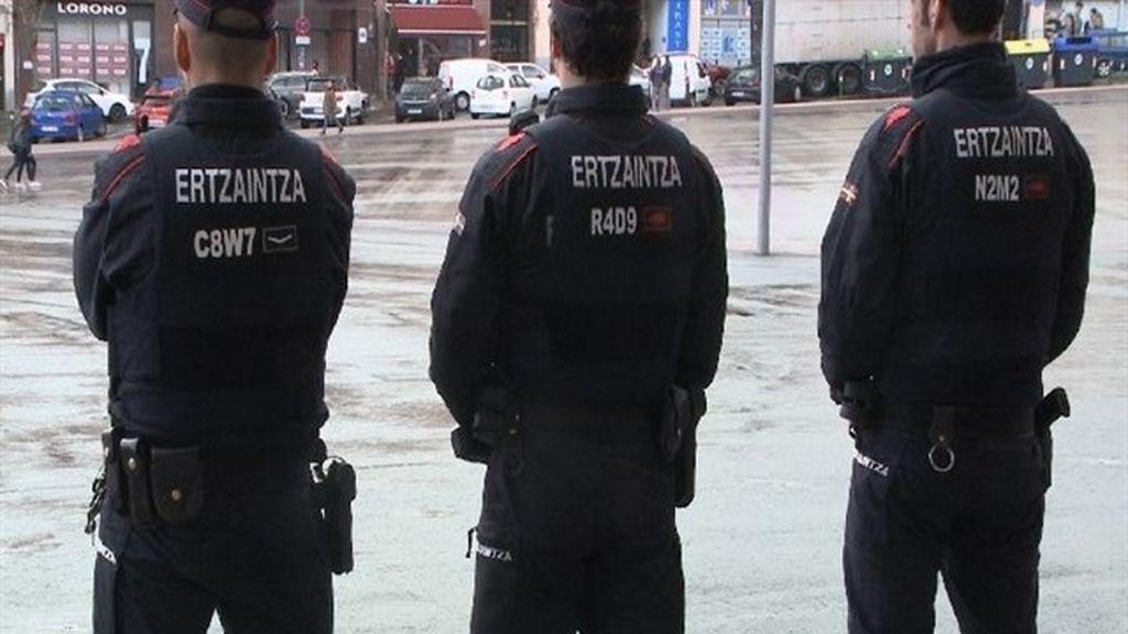 Hallan el cadáver de una mujer con signos de violencia en su domicilio de Bilbao