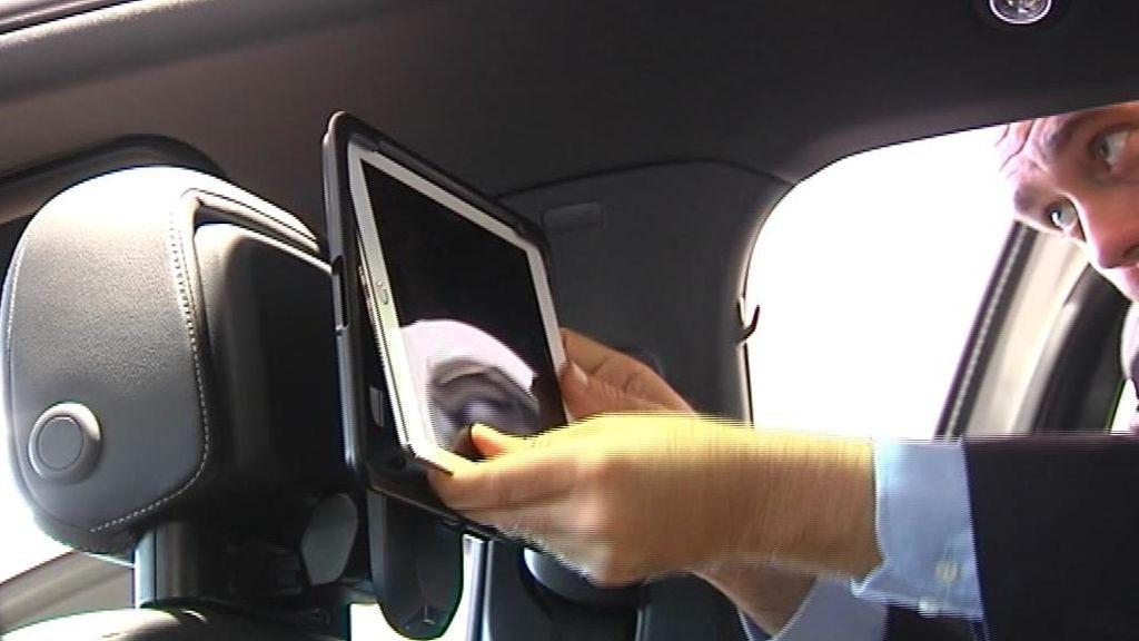 Cómo prevenir los accidentes mortales por tablets en los coches