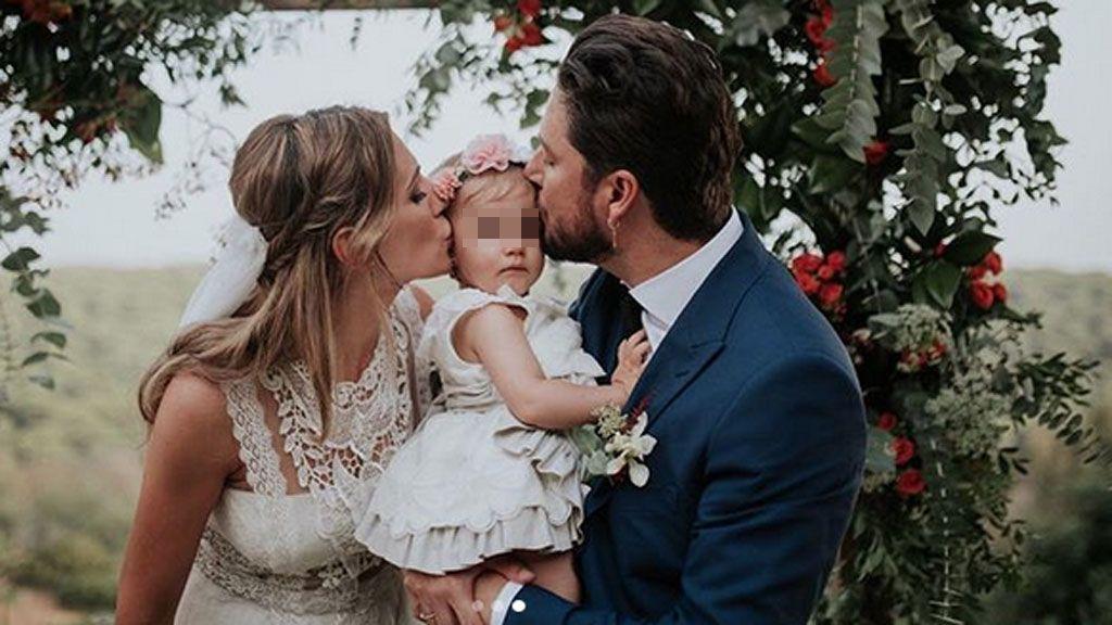 Manuel y Almudena con su hija