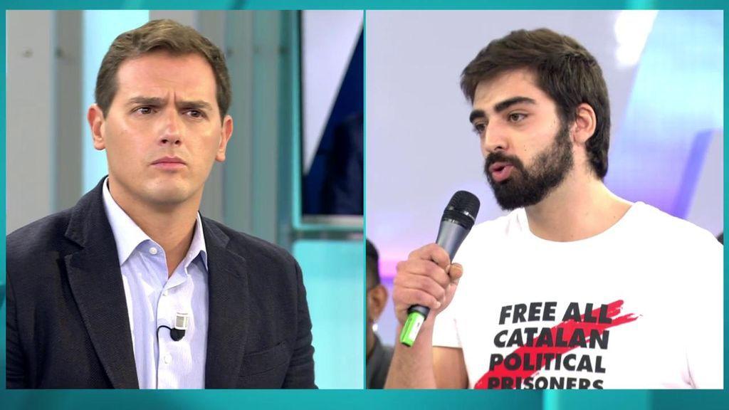 """Un independentista pregunta a Rivera: """"¿Cree que hablar todo el día del odio en Cataluña fomenta el odio?"""""""