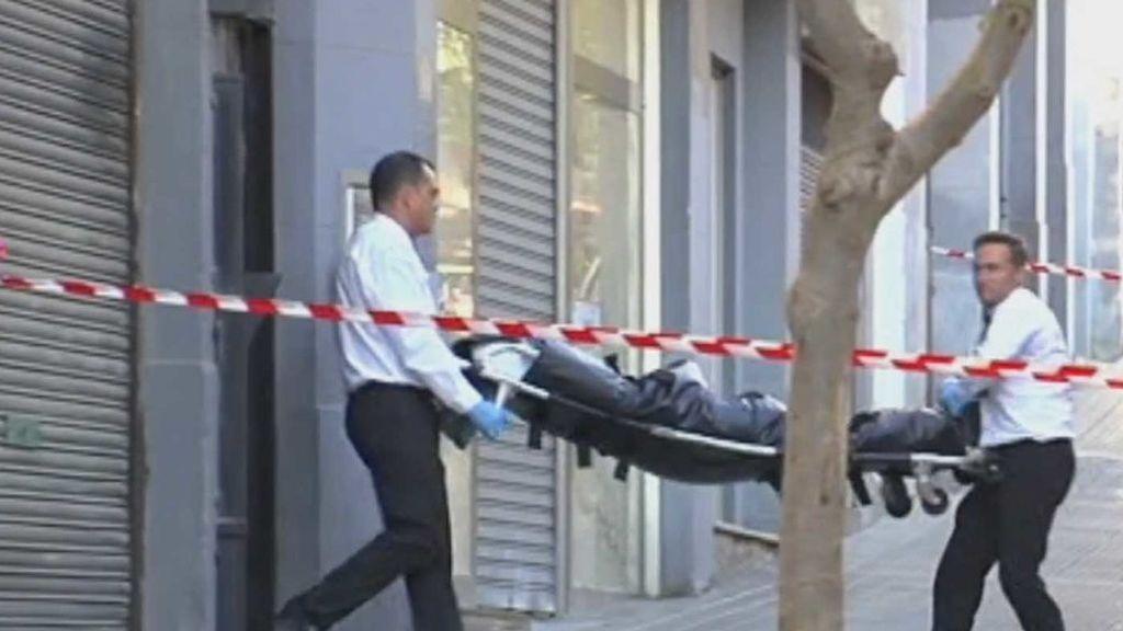 Las hijas de la joven degollada en Bilbao pasaron más de 24 horas con su cadáver